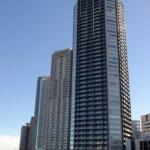 東雲のタワーマンションと辰巳運河