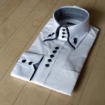 人生初のデコラティブなドレスシャツ(笑)