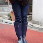 今日のお洒落さんはバーニーズNYのレインブーツを履く女子
