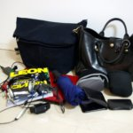 帰省用のHERZのトートバッグとCote&Cielのメッセンジャーバッグの中身を並べてみた。