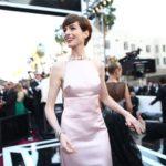 美しすぎる米女優アン・ハサウェイがついにアカデミー賞助演女優賞を獲得!ドレスはやっぱりプラダだね!