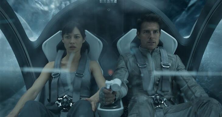 オブリビオン Oblivion-Tom_Cruise-Olga_Kurylenko-006