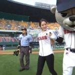 韓国の新体操選手シン・スジの始球式が凄いアクロバちっくなのに審判がやたら冷静な件。