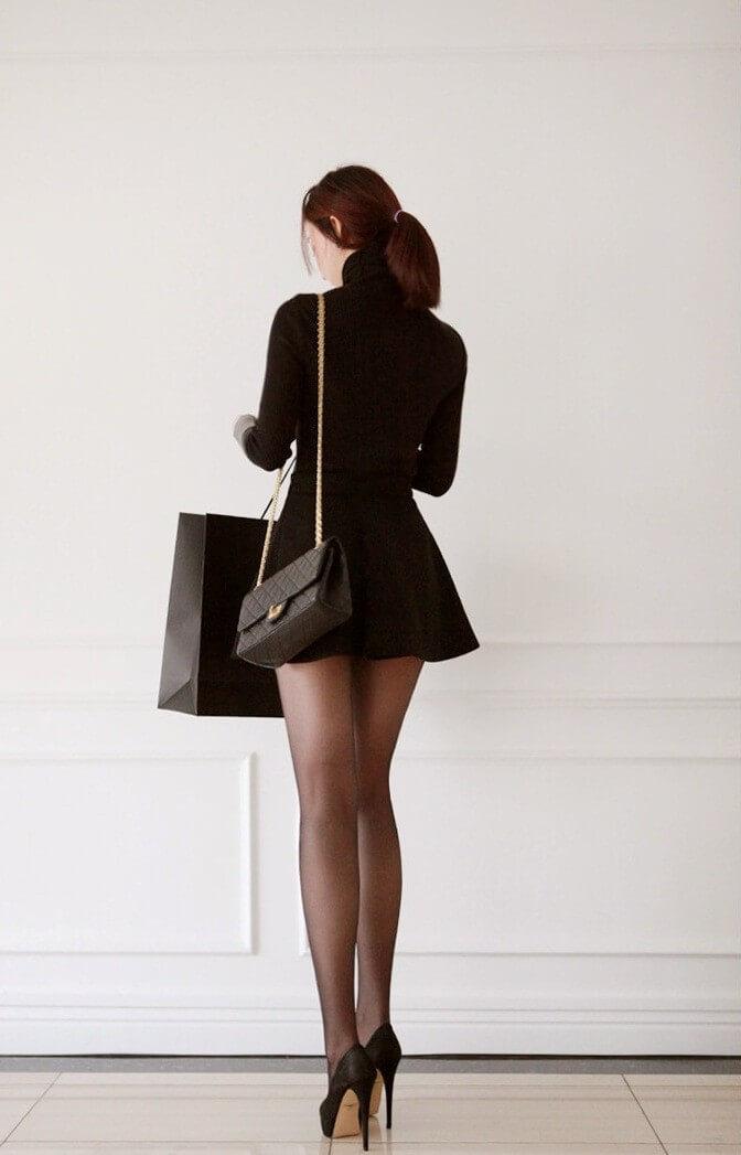 黒を纏ったシャネルの美少女。
