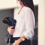 白シャツ&ジーンズ美女。