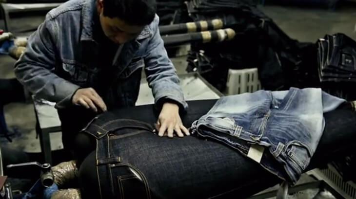 Nudie Jeans ダメージ加工 作業風景