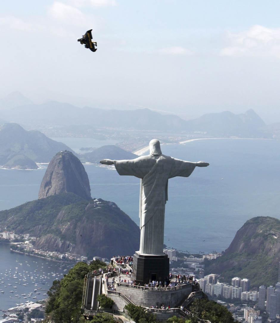 リオデジャネイロを飛ぶジェットマン