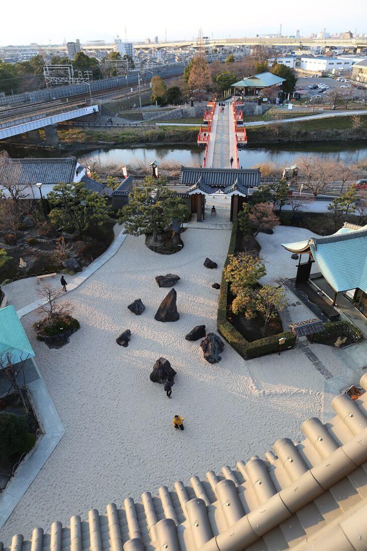 清州城 天守閣屋上から  (9)