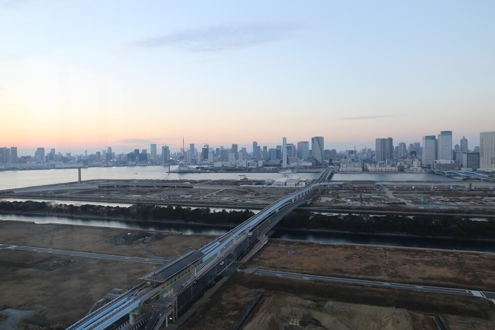 オリゾンマーレ 27Fラウンジから眺める東京湾 (5)