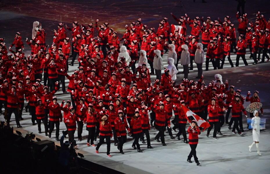 ソチオリンピック開幕!開会式の各国選手団ユニフォーム カナダ