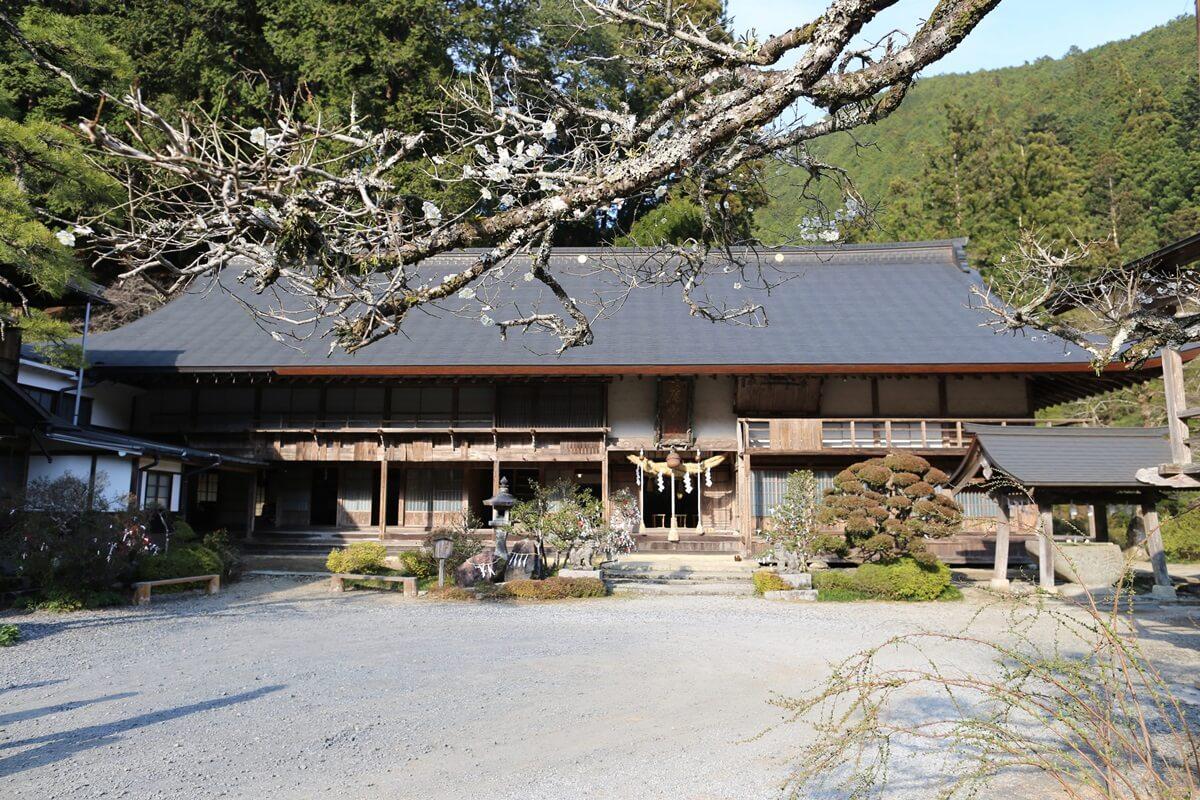 賀蘇山神社 社務所兼拝殿