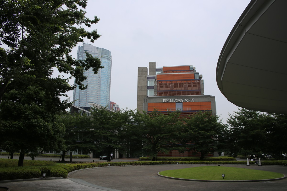 国立新美術館 THE NATIONAL ART CENTER-TOKYO (1)