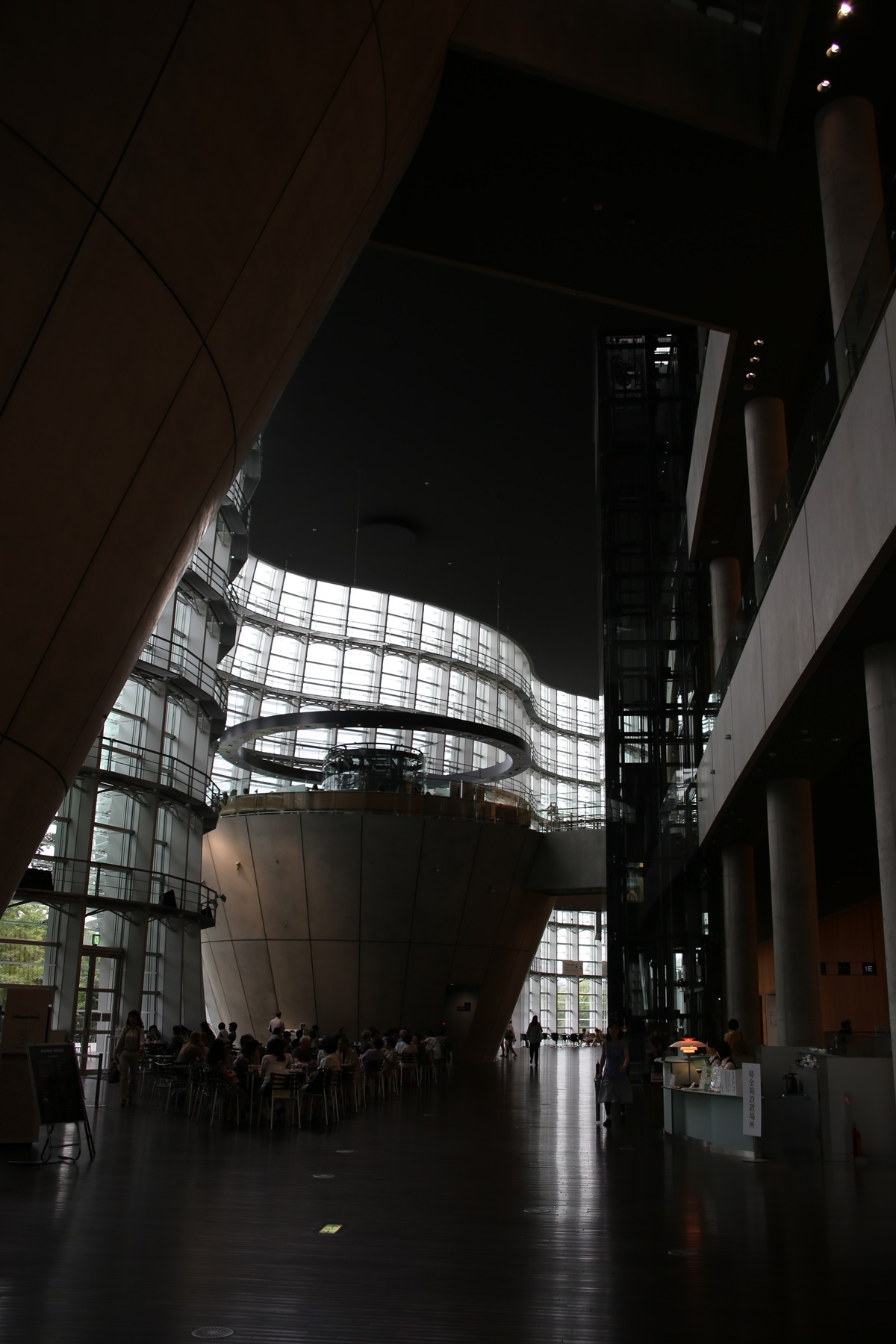 国立新美術館 THE NATIONAL ART CENTER-TOKYO (15)