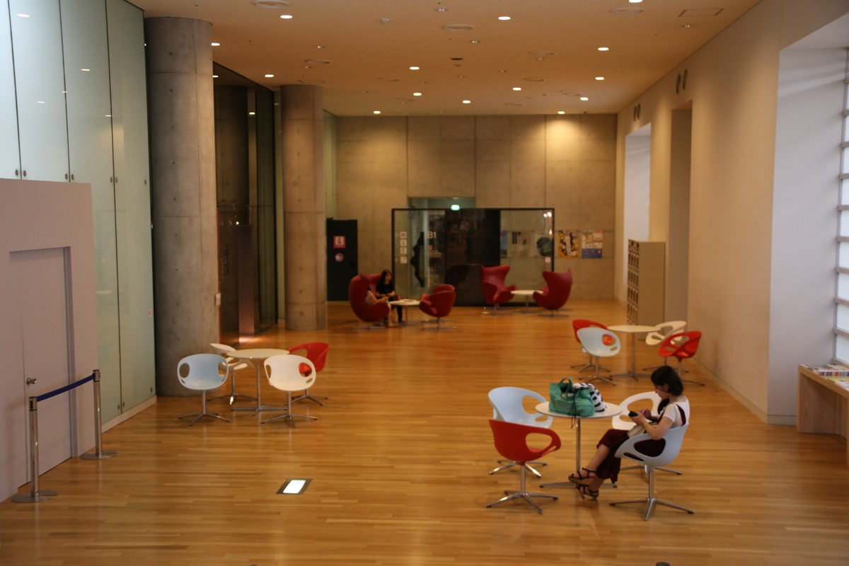 国立新美術館 THE NATIONAL ART CENTER-TOKYO (16)