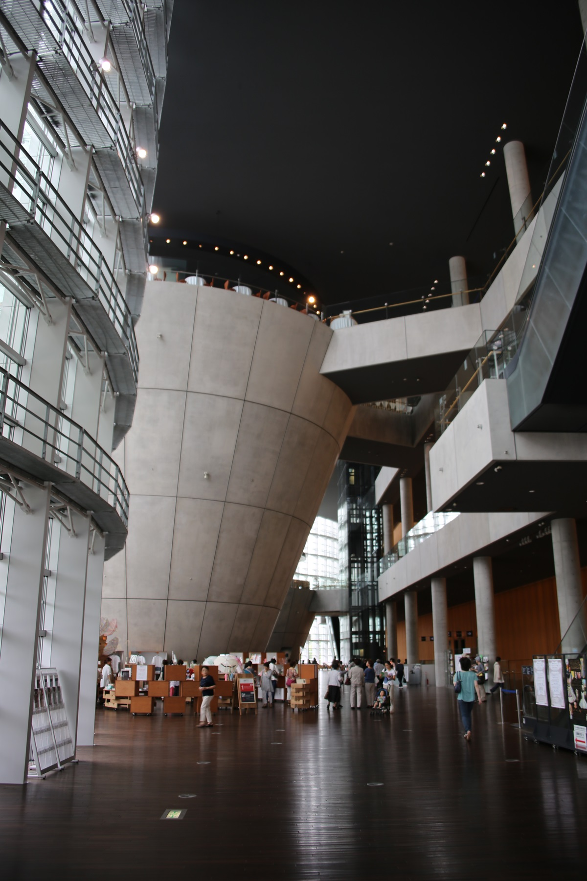 国立新美術館 THE NATIONAL ART CENTER-TOKYO (2)