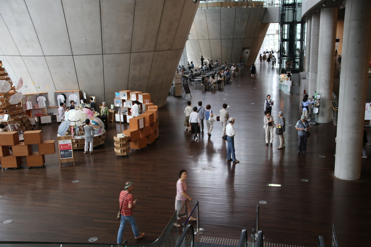 国立新美術館 THE NATIONAL ART CENTER-TOKYO (4)