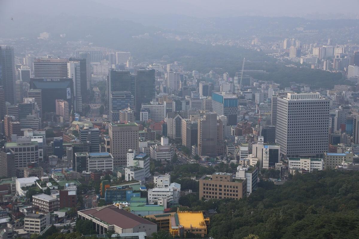 Nソウルタワー真下 南山 景色 Namsan and N-Seoul-tower (2)