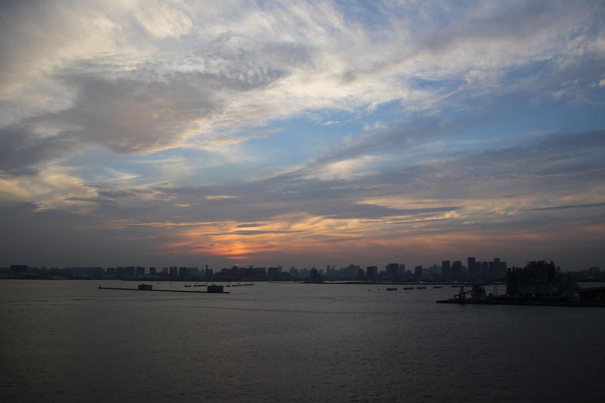 若洲海浜公園から見た東京湾の夕日 wakasu  the sunset (1)