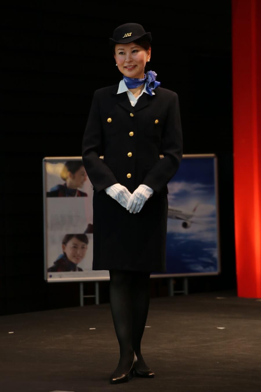 JAS5代目制服 JALとJEX客室乗務員歴代制服ファッションショー 客室乗務員 スチワーデス 歴代ユニフォーム 制服 空の日フェスティバル JAL fashion show (13)