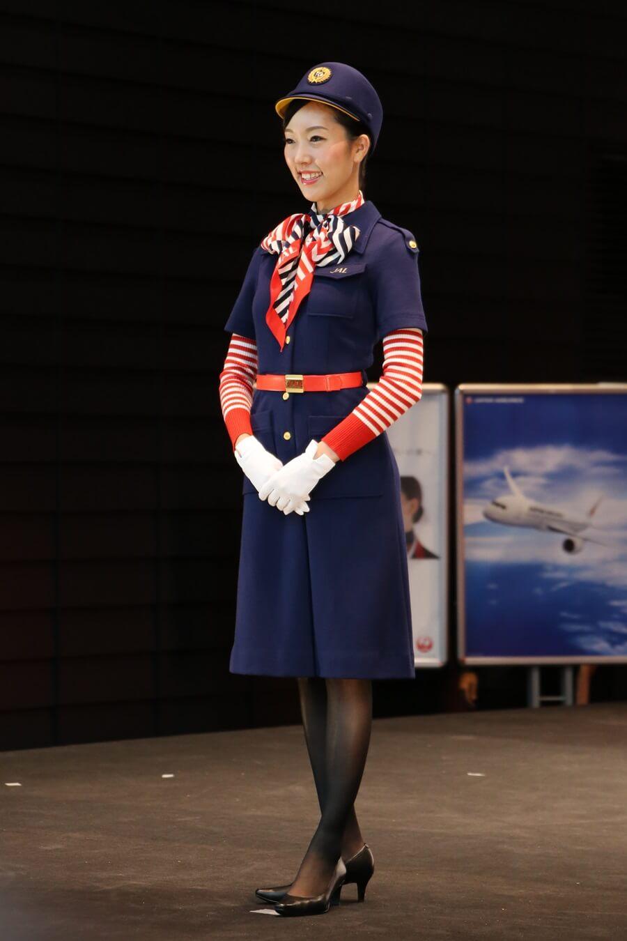 日本航空6代目制服 JALとJEX客室乗務員歴代制服ファッションショー 客室乗務員 スチワーデス 歴代ユニフォーム 制服 空の日フェスティバル JAL fashion show (18)