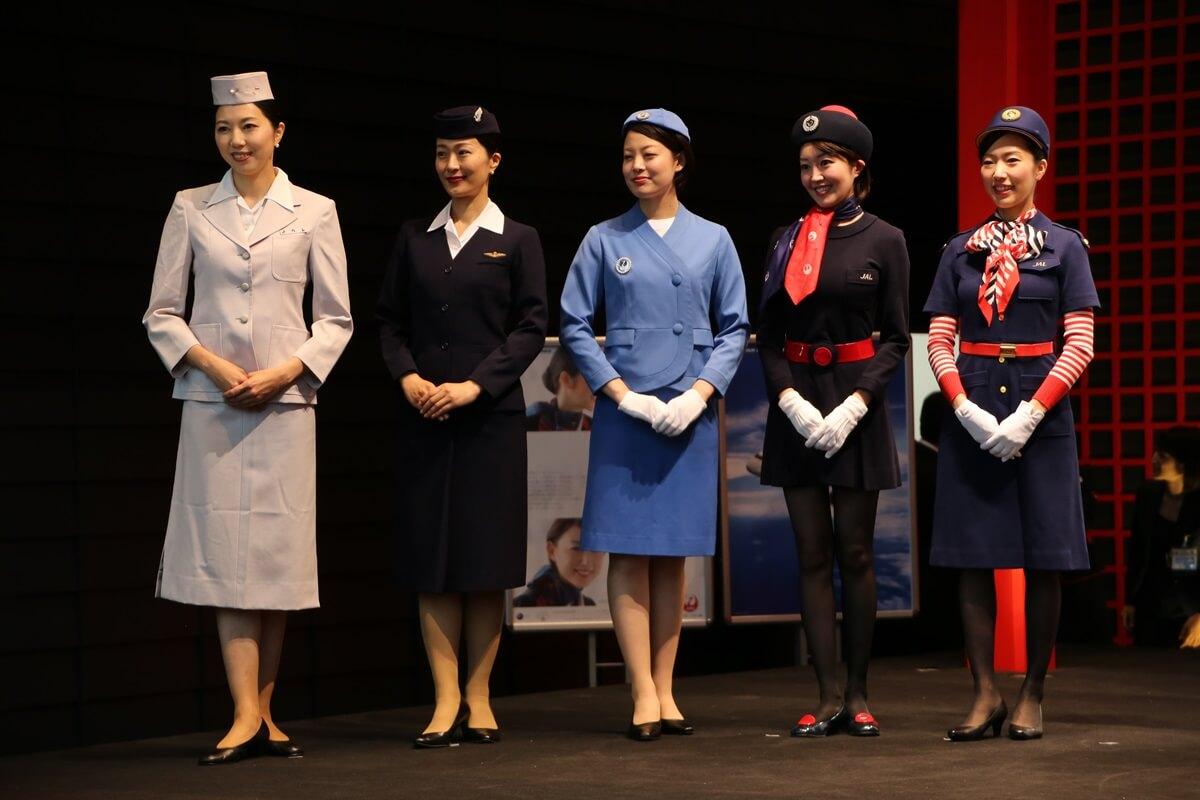 JALとJEX客室乗務員歴代制服ファッションショー 客室乗務員 スチワーデス 歴代ユニフォーム 制服 空の日フェスティバル JAL fashion show (8)
