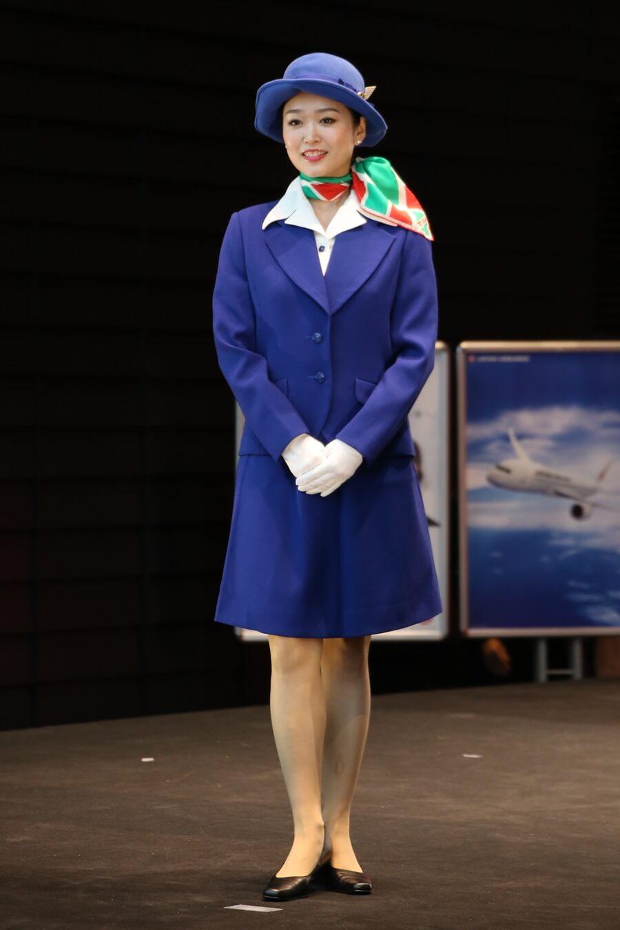 JAS3代目制服 JALとJEX客室乗務員歴代制服ファッションショー 客室乗務員 スチワーデス 歴代ユニフォーム 制服 空の日フェスティバル JAL fashion show JAS (2)