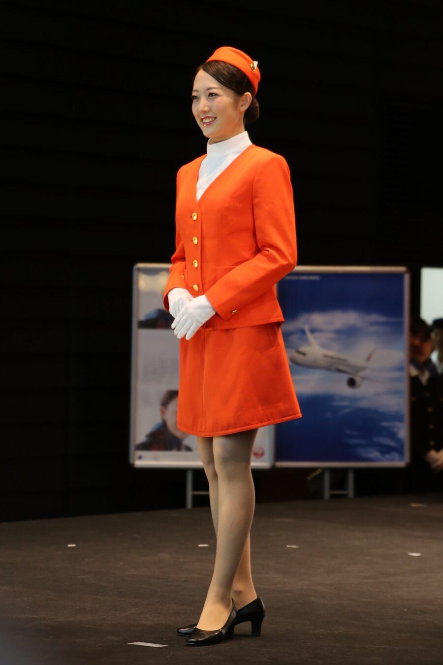 JAS2代目制服 JALとJEX客室乗務員歴代制服ファッションショー 客室乗務員 スチワーデス 歴代ユニフォーム 制服 空の日フェスティバル JAL fashion show JAS (3)