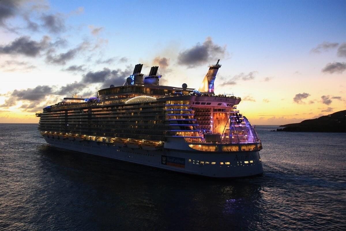 ロイヤル・カリビアン・インターナショナル クアンタム・オブ・ザ・シーズ  quantum_of_the_seas_royal_caribbean_international (1)