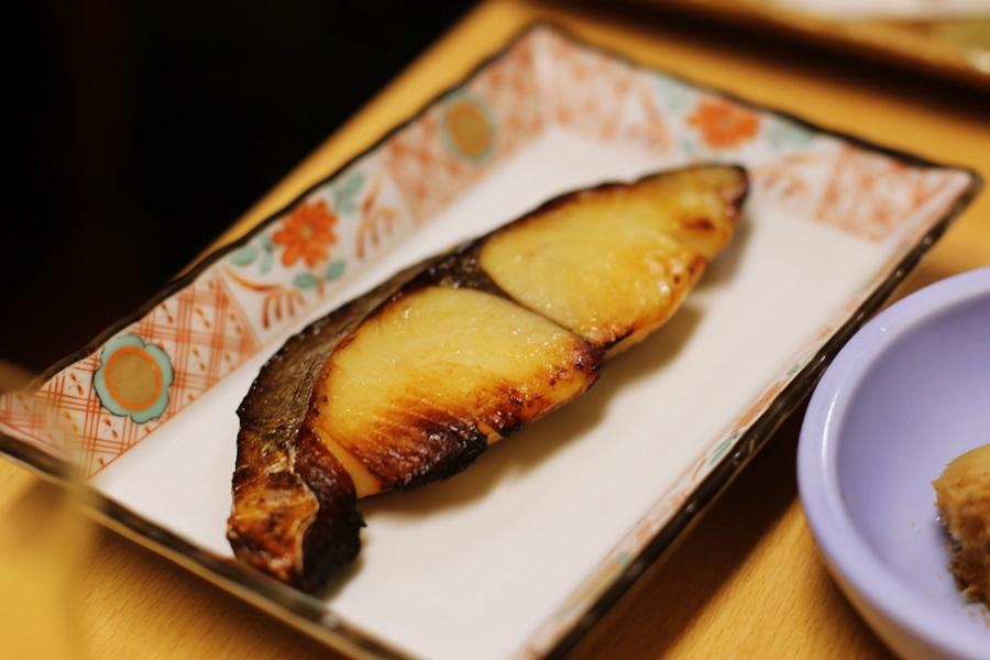 京都産白粒味噌で安庵特製西京味噌に仕上げた サワラの西京焼 1,000円 豊洲 和食 安庵 toyosu anan (7)