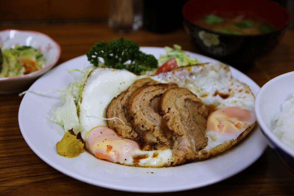 とんかつ八千代 チャーシューエッグ定食 tsukijiichiba (1)