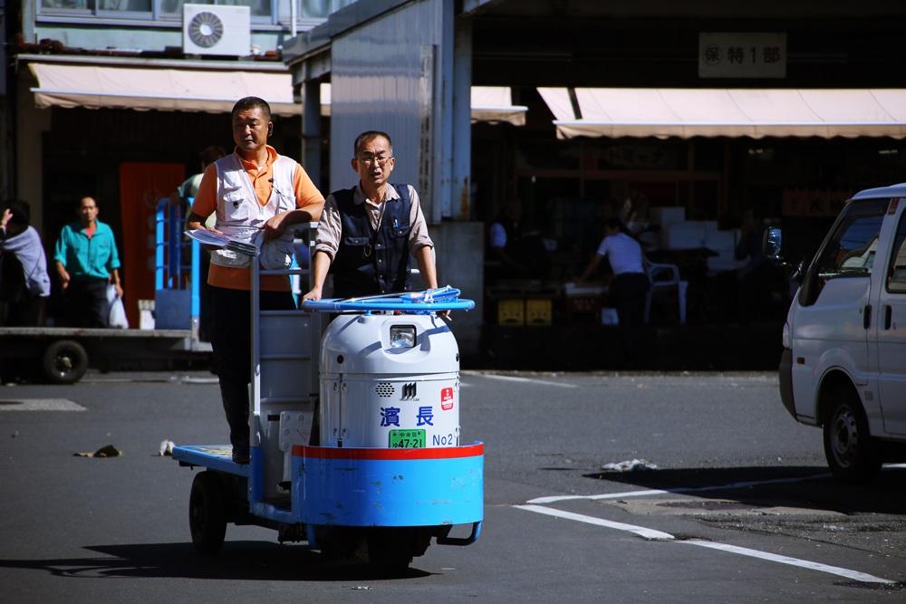 ターレットトラック、 通称「ターレ」 築地市場 場内 魚がし横丁 tsukijiichiba Turret Truck (1)