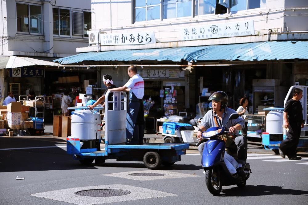 ターレットトラック、 通称「ターレ」 築地市場 場内 魚がし横丁 tsukijiichiba Turret Truck (3)