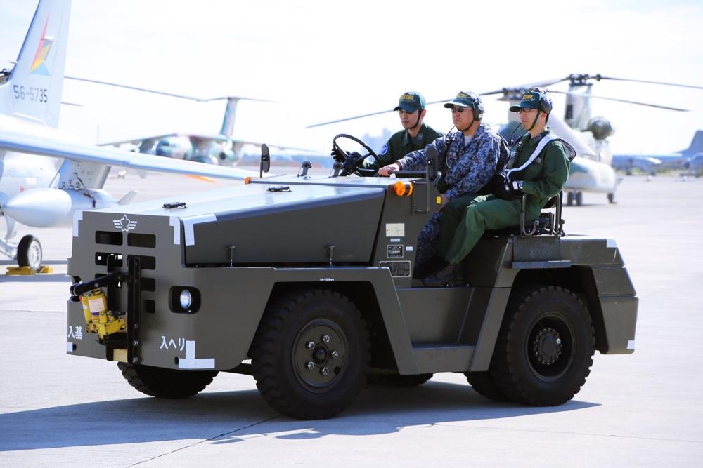 西武池袋線 稲荷山公園駅 2014年入間基地航空祭 2014 iruma  fly team (22)