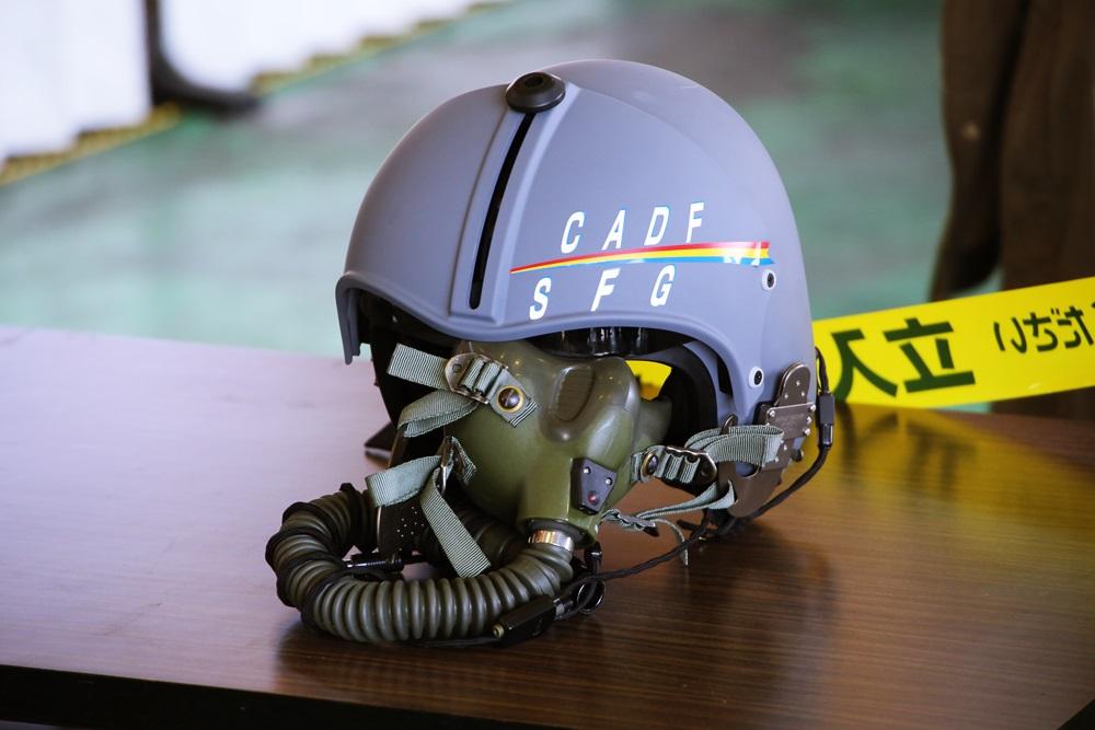 パイロットのヘルメット 西武池袋線 稲荷山公園駅 2014年入間基地航空祭 2014 iruma  fly team (40)