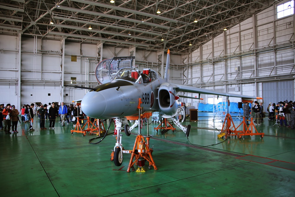 T-4 (練習機) 西武池袋線 稲荷山公園駅 2014年入間基地航空祭 T-4 2014 iruma  fly team (31)