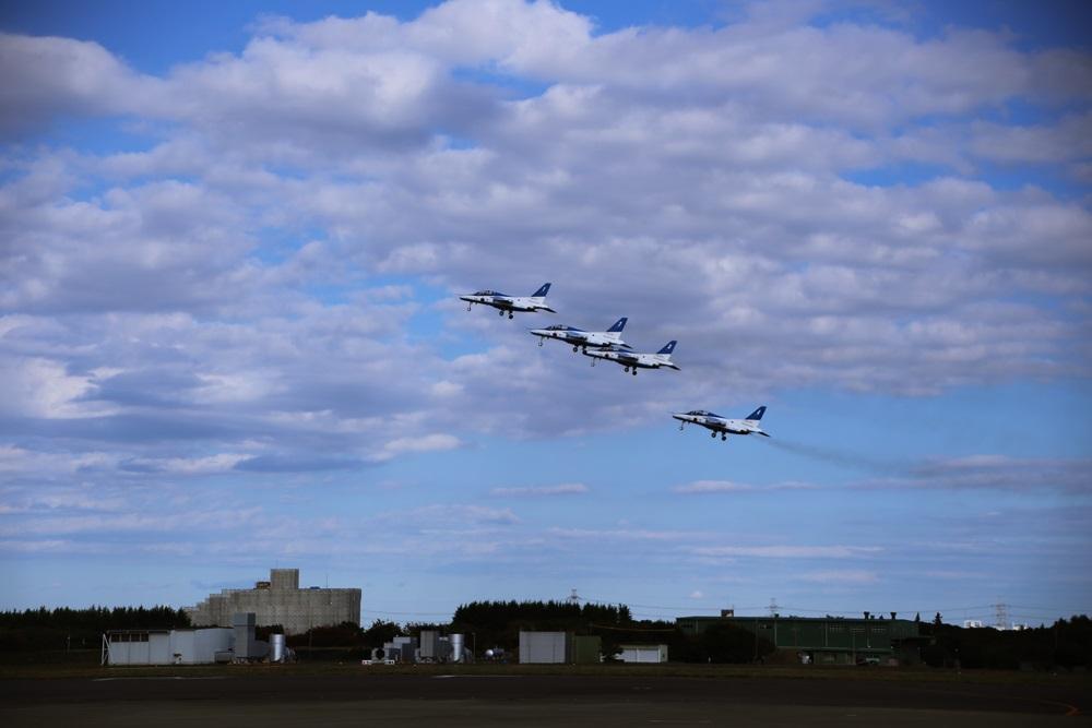 ブルーインパルス 西武池袋線 稲荷山公園駅 2014年入間基地航空祭 Blue Impulse 2014 iruma  fly team (70)