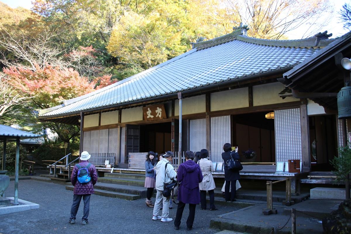 丸窓の北鎌倉 明月院 kitakamakura_meigetuin (15)