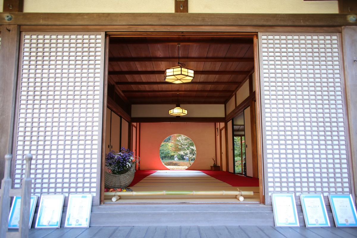 丸窓の北鎌倉 明月院 kitakamakura_meigetuin (7)