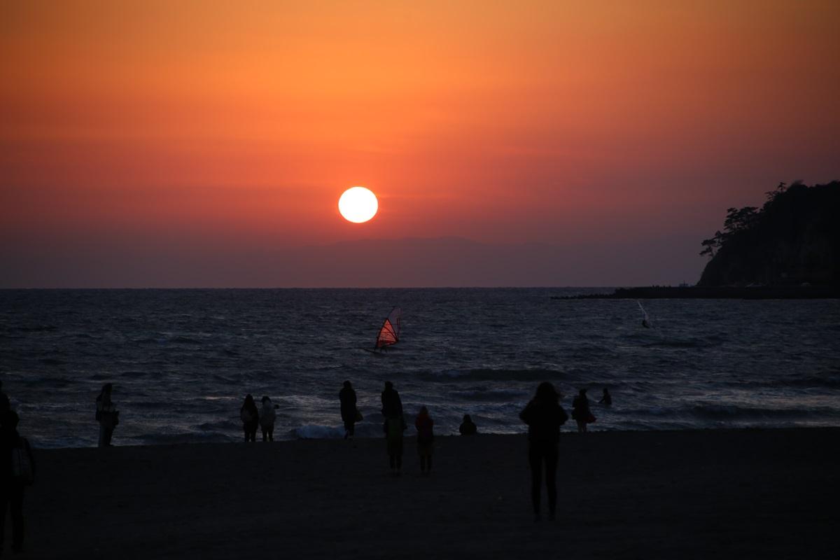 鎌倉 由比ヶ浜 沈みゆく太陽 yuigahama (1)
