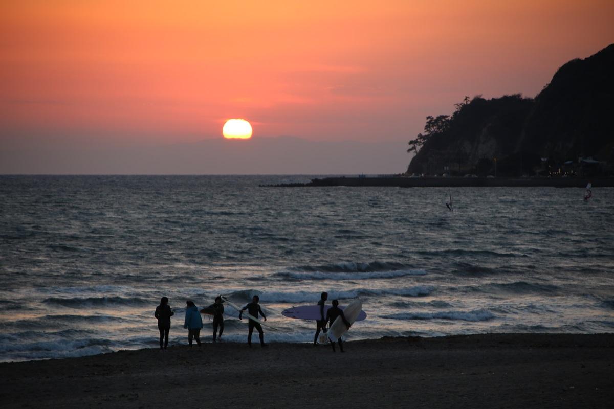 鎌倉 由比ヶ浜 沈みゆく太陽 yuigahama (5)