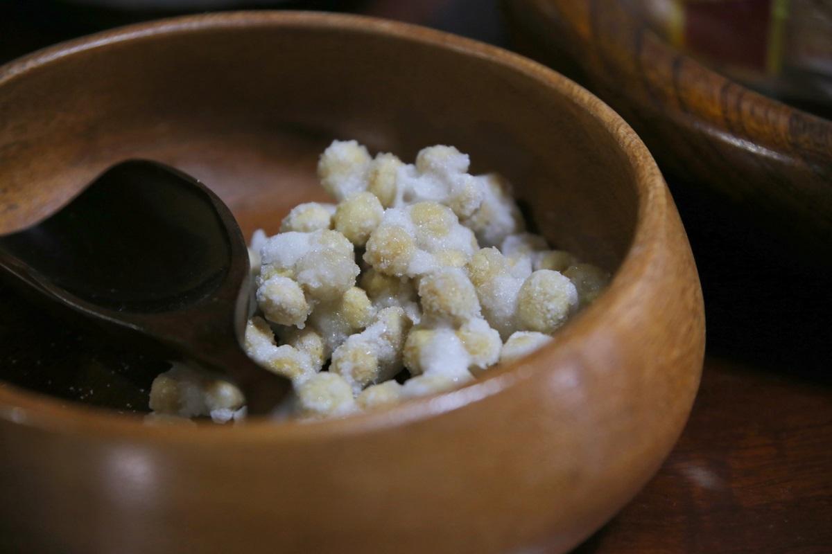 尾鑿山(おざくさん) 賀蘇山神社 (がそやまじんじゃ) 煎り豆の砂糖がけ gasoyamajinjya (3)