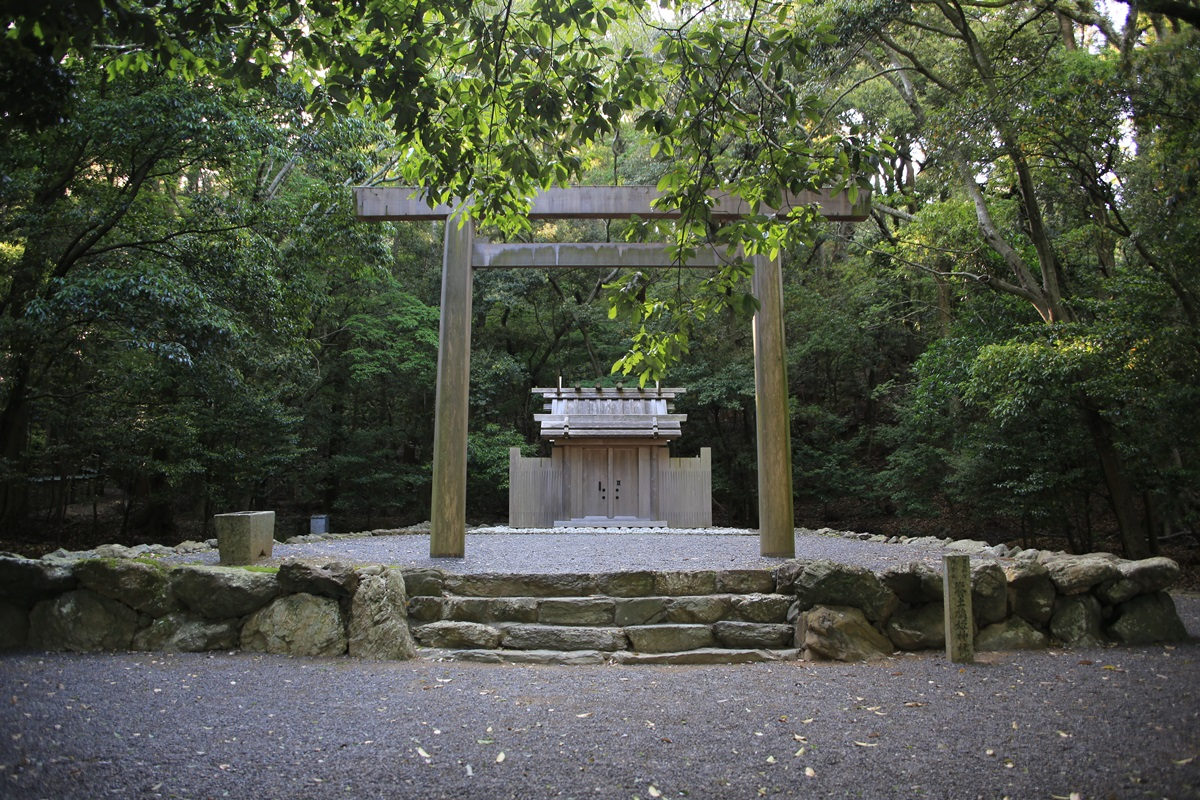 饗土橋姫神社(あえどはしひめじんじゃ)