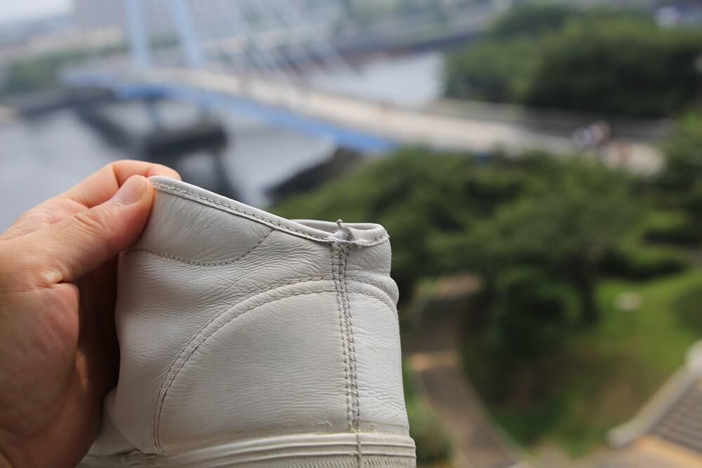 白いスニーカー スプリングコート  white_sneaker (2)