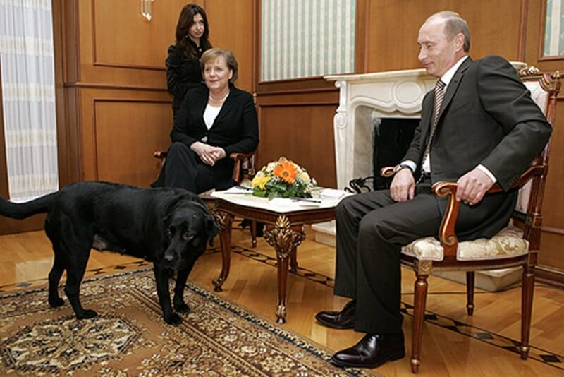 コニー プーチン メルケル Vladimir_Putin_21_January_2007-1