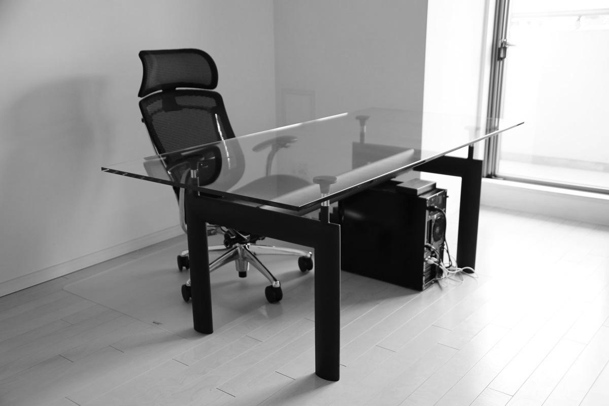 ル・コルビュジエ LC6 ダイニングガラステーブル Le Corbusier_LC6_glass_table (1)