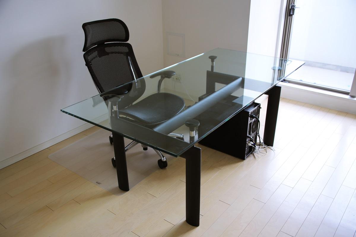 ル・コルビュジエ LC6 ダイニングガラステーブル Le Corbusier_LC6_glass_table