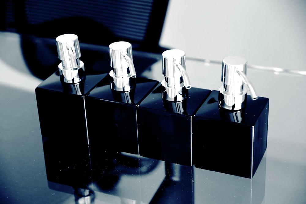 セイラス マトリス キューブ ソープディスペンサー SALUS_cube_dispenser-2