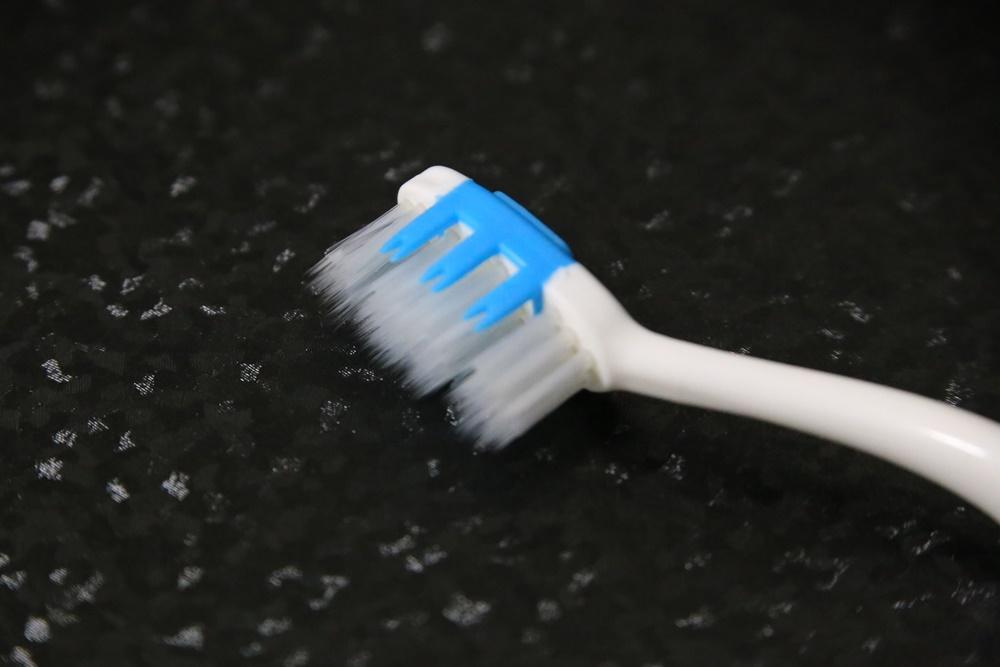 ディエンテ 3段シリコン歯ブラシ  diente (2)