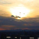 東京湾上空に現れたニャンコ様のご尊顔。