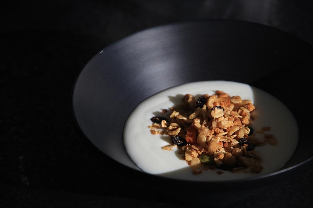 frega 朝食 ヨーグルト&フルグラ